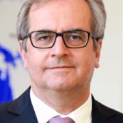 Dr. Ulrich Arnold