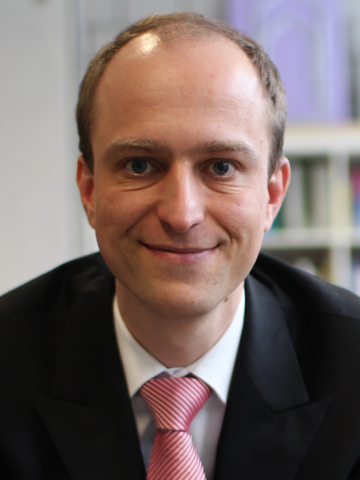 Prof. Dr. Falk Übernickel
