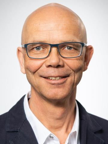 Dr. Dirk Petermann